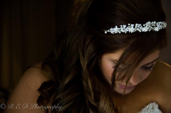 wedding photography bride getting ready