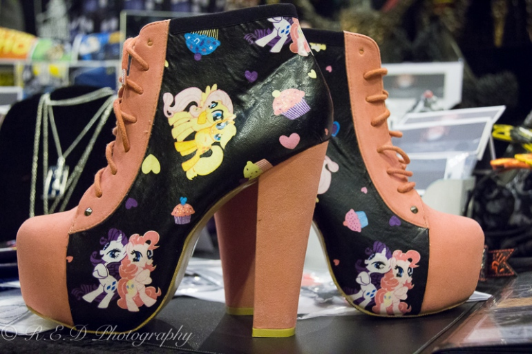 rhidixonblog geek lifestyle blogger curious creatures shoes