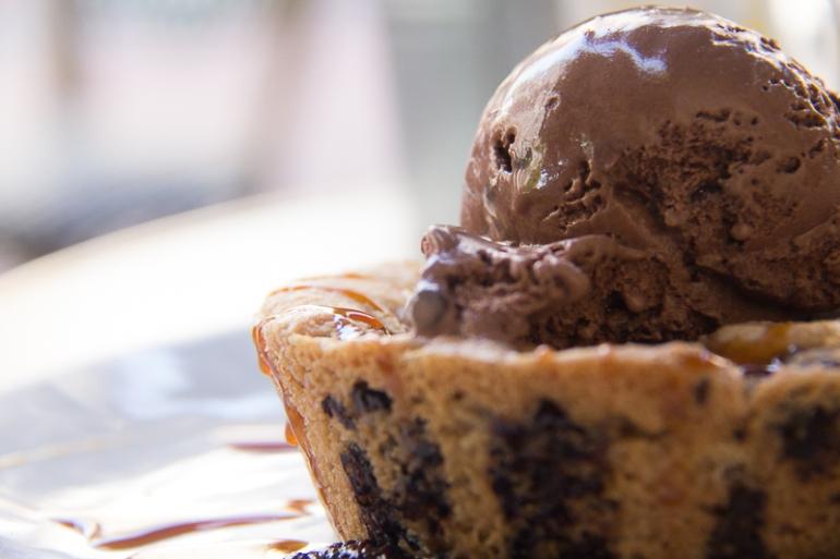 rhidixonblog lifestyle blogger bella italia desserts